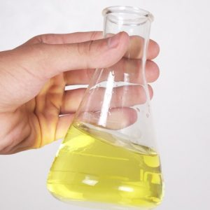 Olus Oil im Reagenzglas
