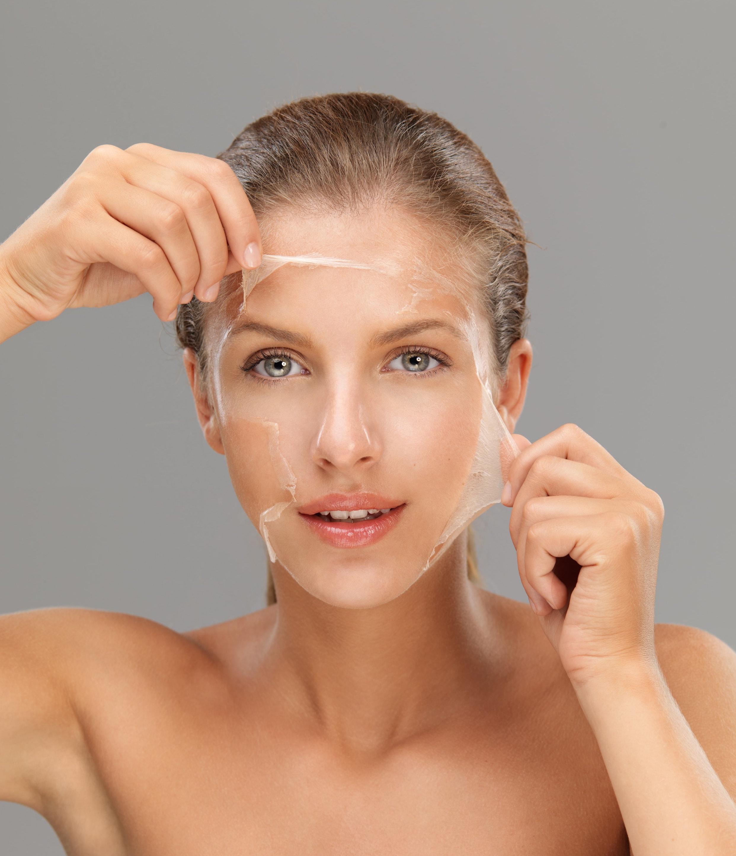 Plastik im Gesicht: Silikone in der Kosmetik